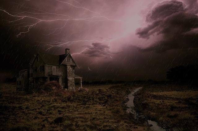 thunderstorm-2077667_640