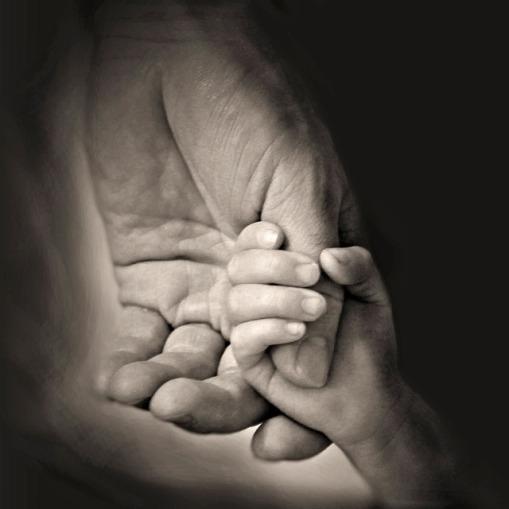 hands-407389_640